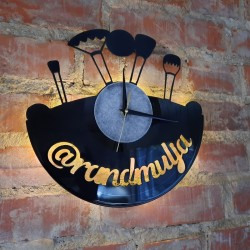 Vinyl disc clock rannekello