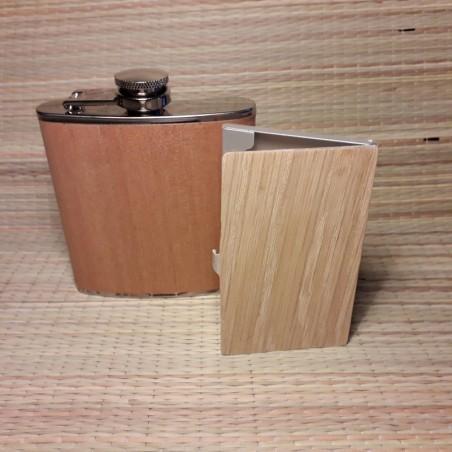 Комплект фляжка и зажигалка тесла декорирована деревом с индивидуальной гравировкой
