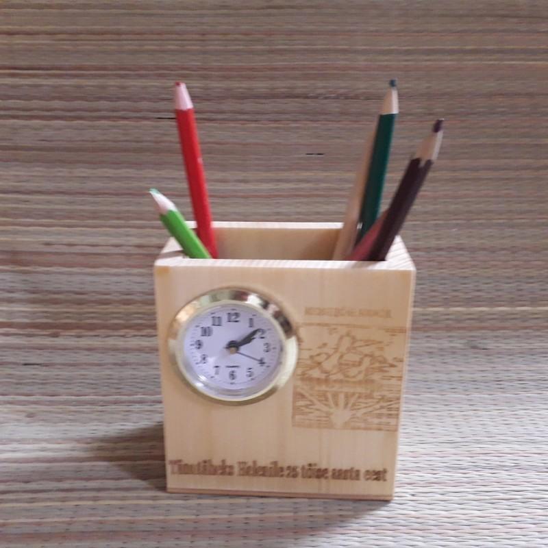 Laua kell pliiatsikarp personaalse graveeringuga