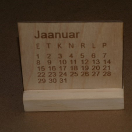 Puidust laua kalender personaalse graveeringuga