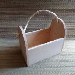Деревянная коробка с ручкой...