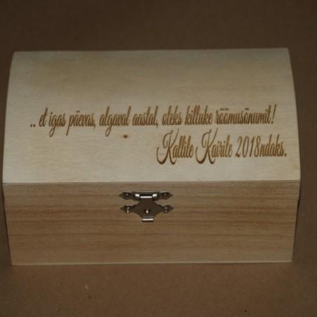 Kinkekarp puidust 11 x 16,5 x 8,5 cm personaalse graveeringuga