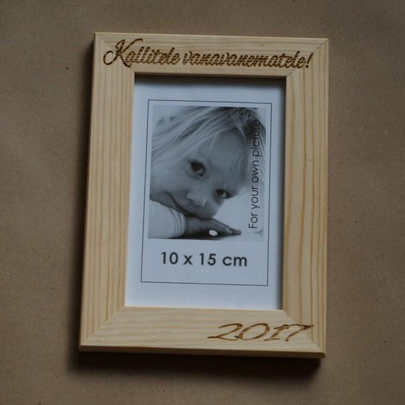 Puidust pildiraam 10x15cm personaalse graveeringuga