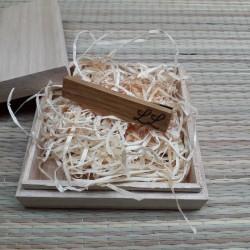 Деревянная заколка для галстука с индивидуальной гравировкой