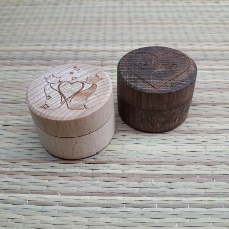 Kinkekarp d40x25mm sõrmusele puidust personaalse graveeringuga