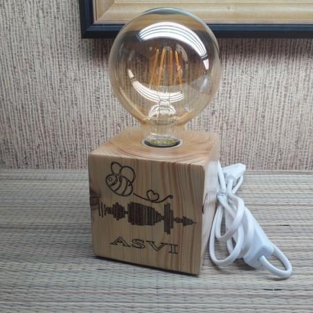 Edisoni lamp puidust klots personaalse graveeringuga