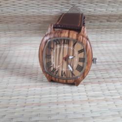 Деревянные наручные часы с...