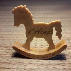 Деревянная лошадка на...
