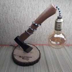 Käsitöö lamp puidust kirves