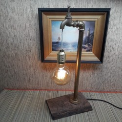 Лампа из труб  с...